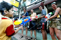 travel Songkran festival, the famous and funny festival in the world